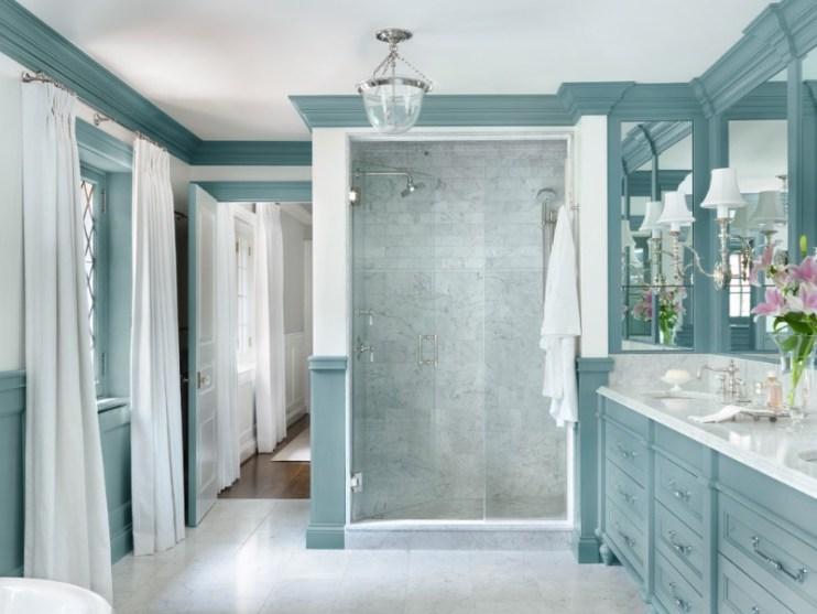 açık Mavi Banyolar