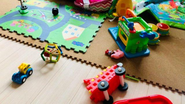 赤ちゃん用にリビングに敷くコルクマットの選び方やカビ、ダニ 対策