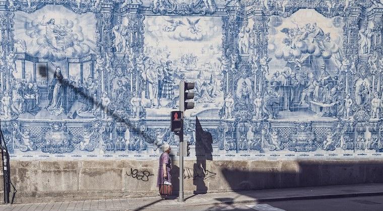 コルクの産地、ポルトガルの芸術のアズレージョ