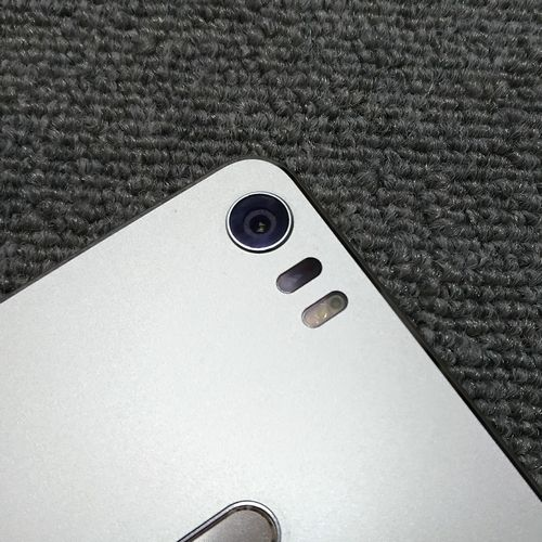 ZenFone 3 Ultra アウトカメラ