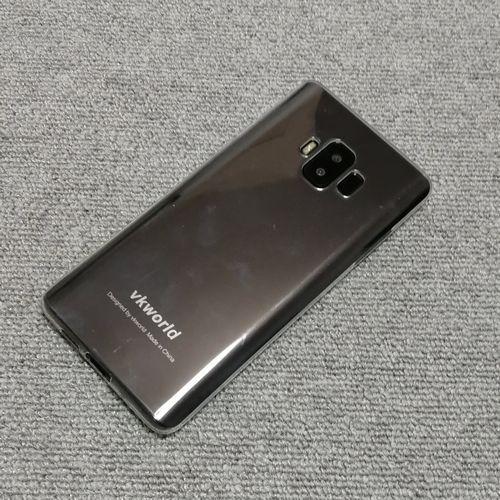 vkworld S8に付属ケースを装着