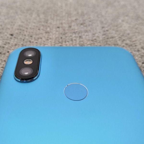 「Xiaomi Mi A2」のデュアルカメラ