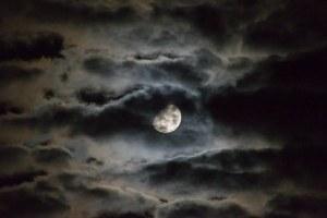 moon-1054721__340