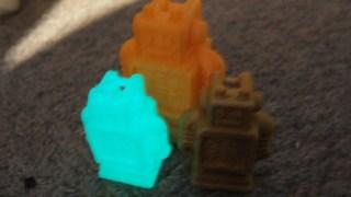 光る大統領、再び!! 3Dプリンター用蓄光材料を活かすにはアレを落とせ!