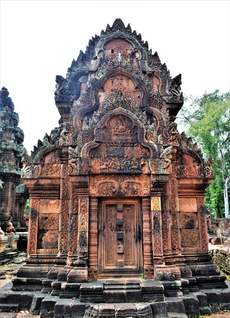 Banteay Srei north library facade facing east - Depicts burining of Khandava Forest on its pediment