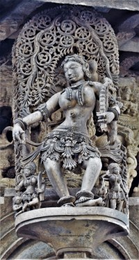 Belur Chennakeshava Temple - Betegarthi - A shilabalike mounted on a pillar near the northern entrance