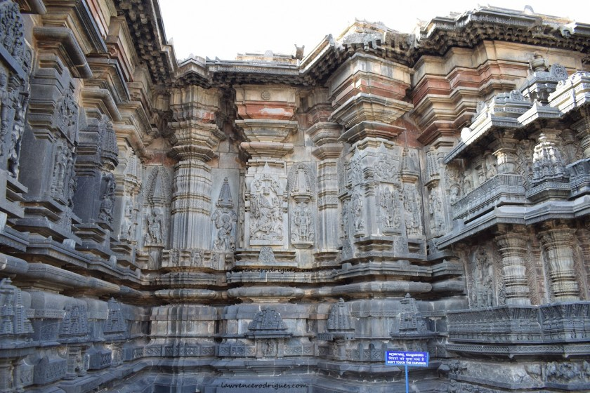 Belur Chennkeshava Temple - Exterior wall surrounding the garbagriha on the north-side