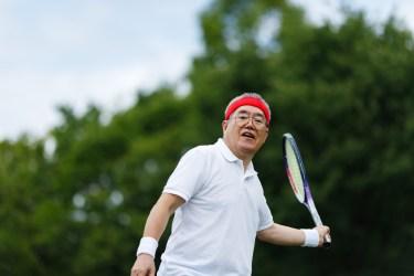 ダブルステニスの戦術とは?前衛と後衛の動き方を紹介します