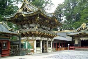『鎌倉・室町・江戸の歴代将軍一覧表』と『鎌倉- 北条執権一覧』