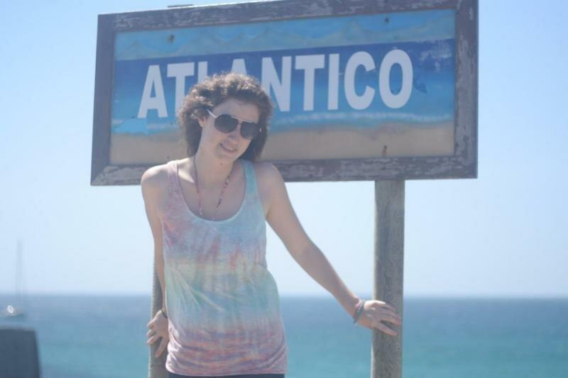 ... и Атлантический океан с другой!