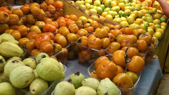 Гуава, хурма, мандарины
