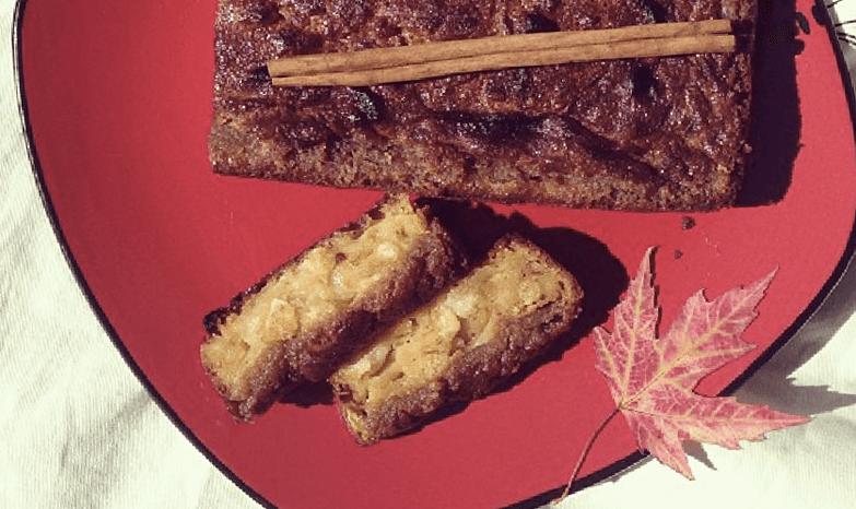 Французский кекс с яблоками