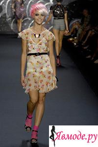 Босоножки с носками – модный тренд 2013