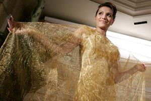 Одежда из золота внедряется в мир моды