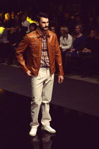 Дмитрий Логинов сделал из FiNN FLARE модных стиляг