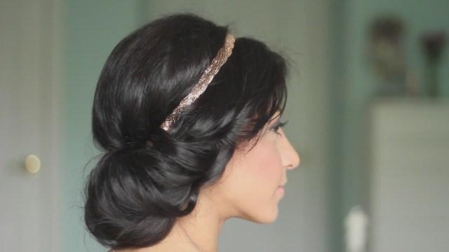 Греческие прически на роскошные длинные волосы с помощью специальной повязкой-резинкой.