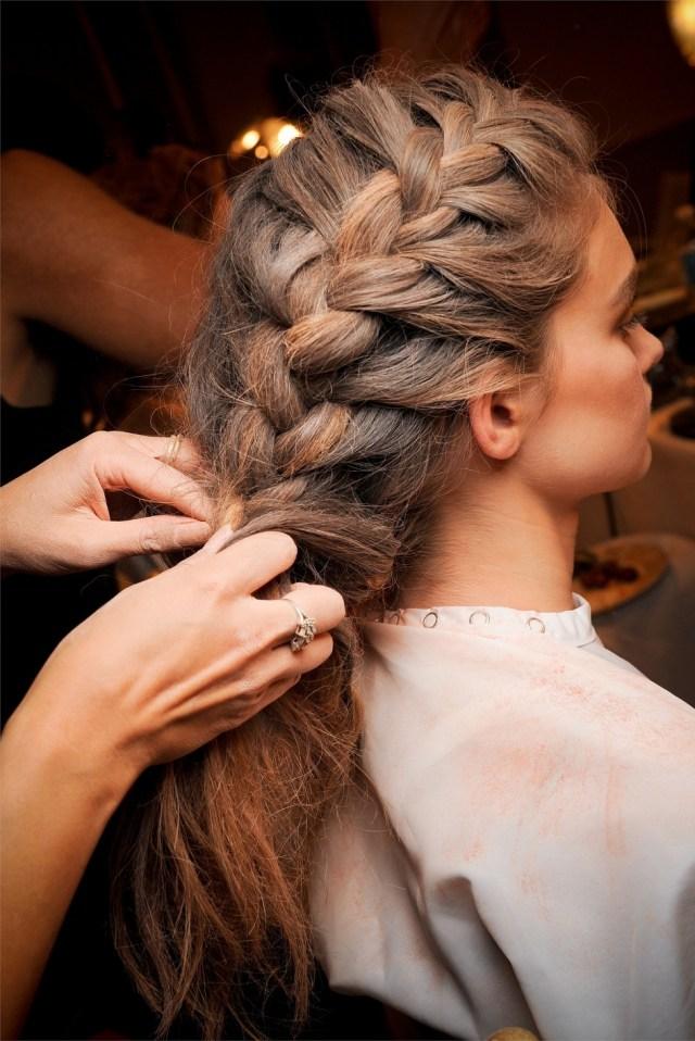 Модная прическа французская коса