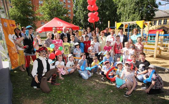 ТМ «Инмарко» и Фонд «Обнаженные сердца» торжественно открыли новую детскую площадку