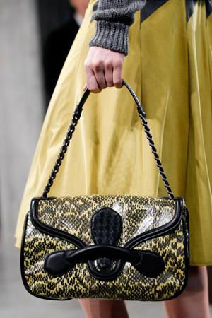 Модная сумка сезона осень-зима 2014-2015 с короткой ручкой – Bottega Veneta