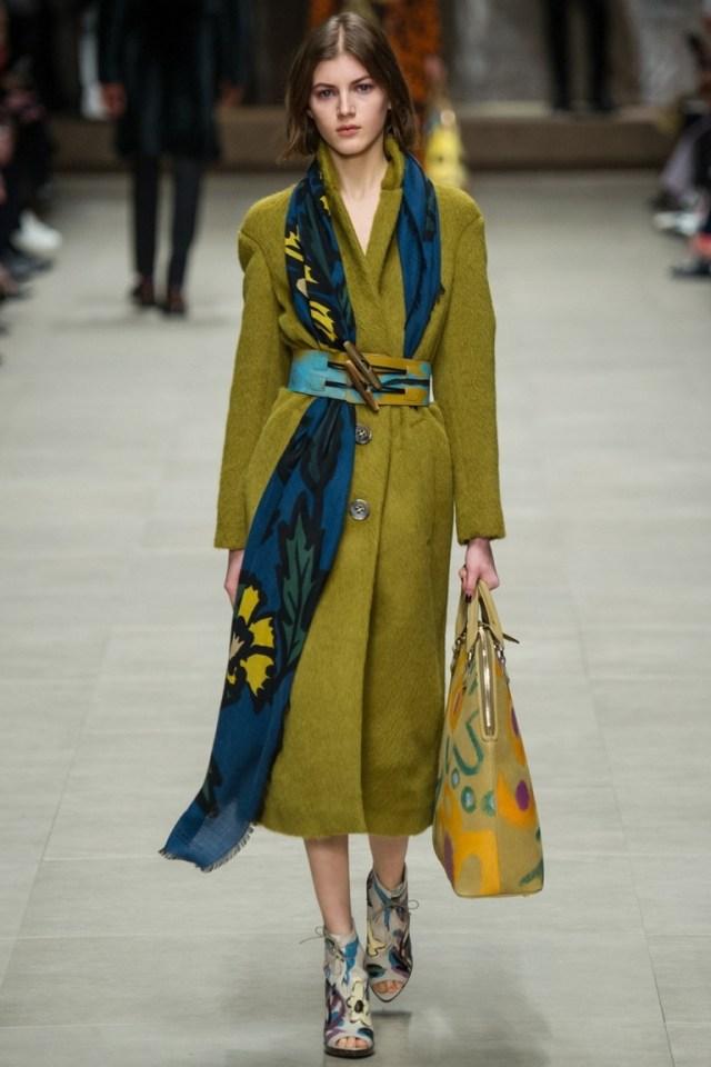 Однотонное модное пальто 2015 – Burberry