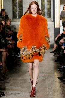 Модная шуба в этно-стиле осень-зима 2014-2015 – Emilio Pucci