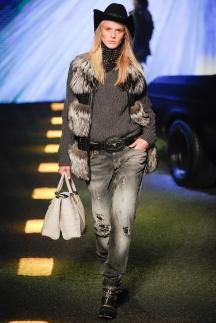 Модные джинсы 2015 Philipp Plein с декоративными вышивками