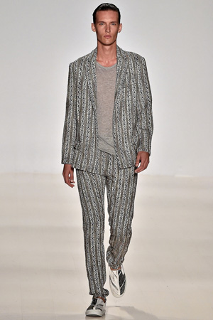 Мужская мода 2015 – классический костюм Custo Barcelona
