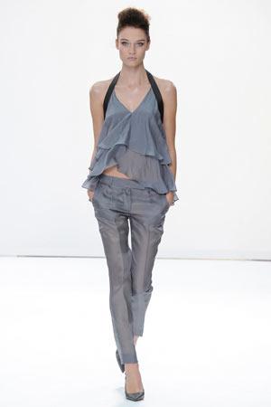 Серые модные брюки весна лето 2015 фото Daks
