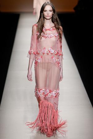 Летнее модное платье весна лето 2015 с длинным рукавом – Alberta Ferretti