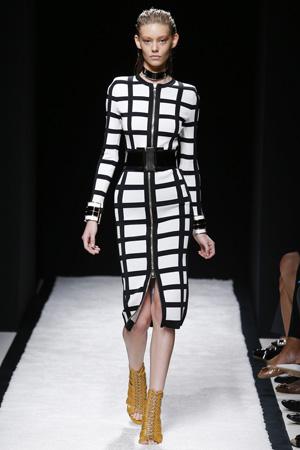 Длинное модное платье 2015 с рисунком в клетку – Balmain весна лето 2015