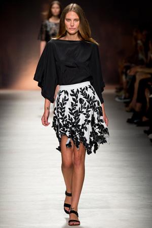 Модная юбка 2015 с черной блузкой – весна лето 2015 Blumarine