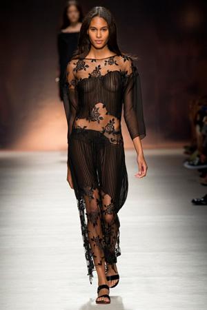 Blumarine весна лето 2015 – платья из прозрачных тканей