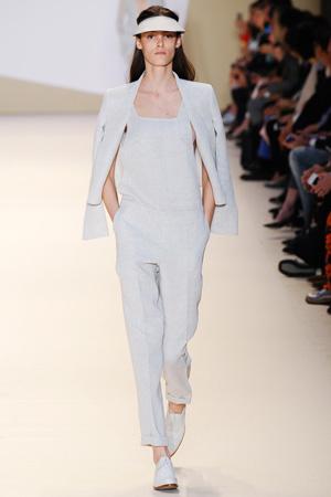 Белый модный комбинезон 2015 - Akris