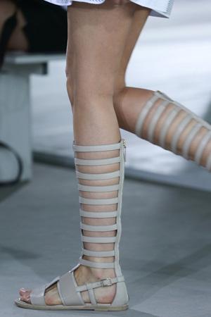 Босоножки гладиаторы мода 2015 фото BOSS Hugo Boss