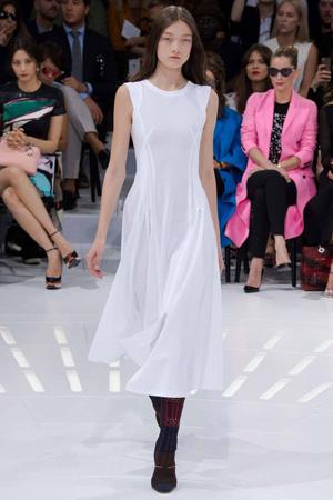 Белое длинное платье 2015 от Christian Dior