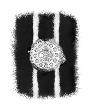 Бриллианты, сапфиры и мех норки часы FENDI