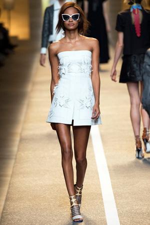 Белое модное платье лето 2015 – Fendi