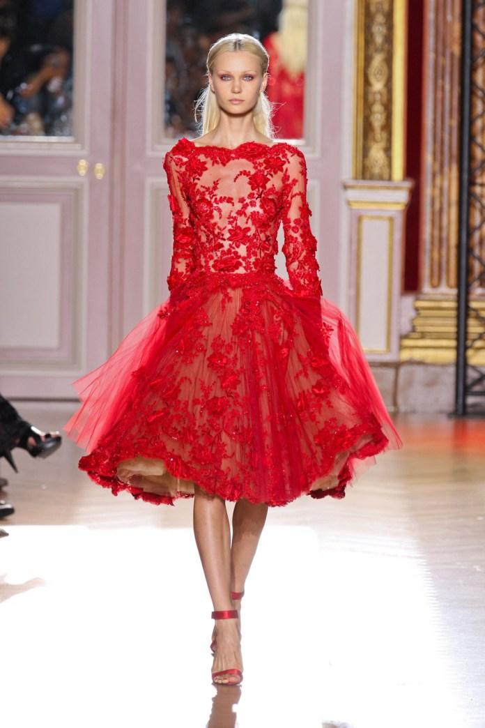 Ажурное красное платье, покоряющее сердца