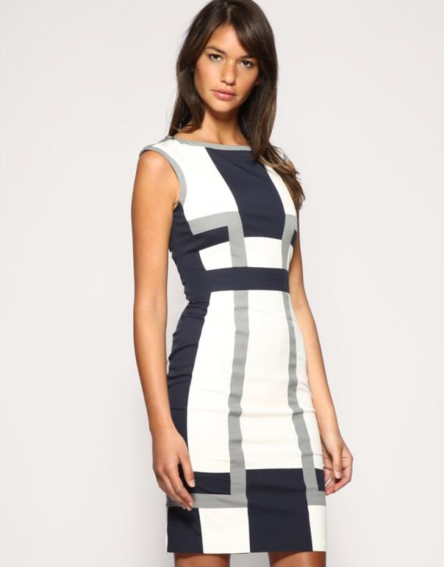 Идеальная модель бело-синего платья на каждый день