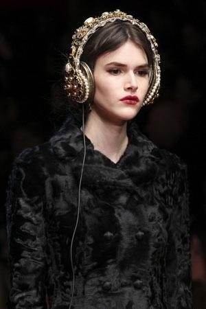 Модный макияж глаз и губ осень-зима 2015-2016 фото Dolce & Gabbana