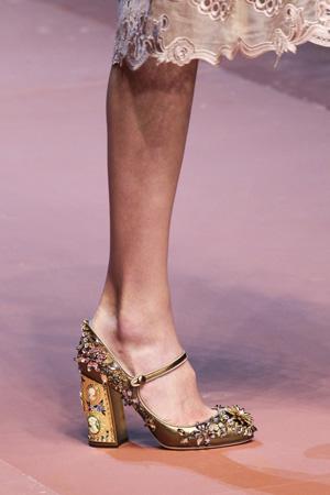 Золотые модные осенние туфли 2015-2016 фото Dolce & Gabbana