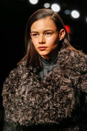 Модный макияж осень-зима 2015-2016 фото Donna Karan