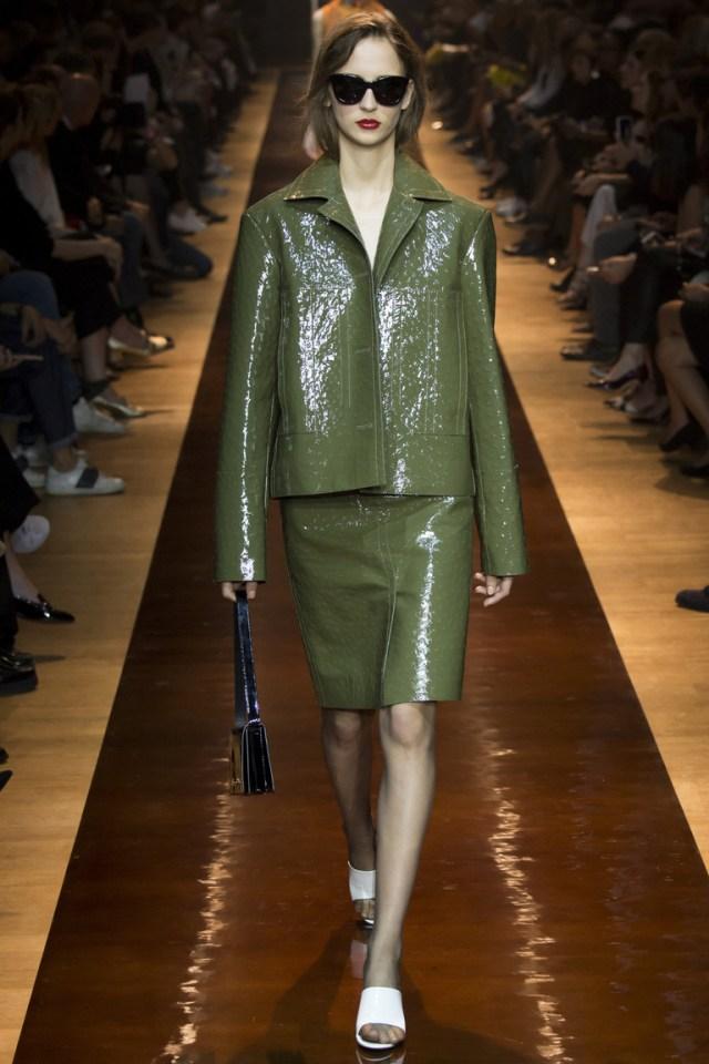 Зеленая модная кожаная куртка 2016 – фото Nina Ricci