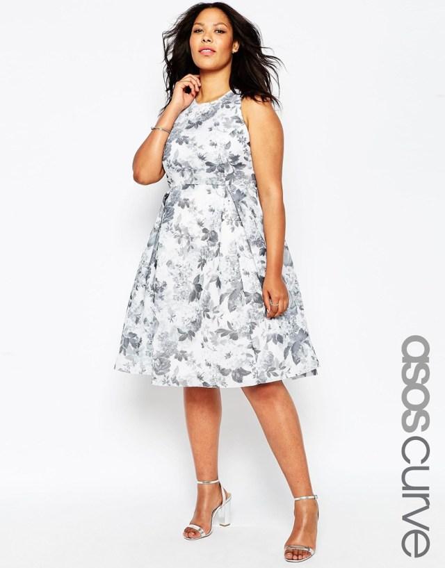 Платье больших размеров с цветочным узором - ASOS Premium, цена 6 470,57 руб.