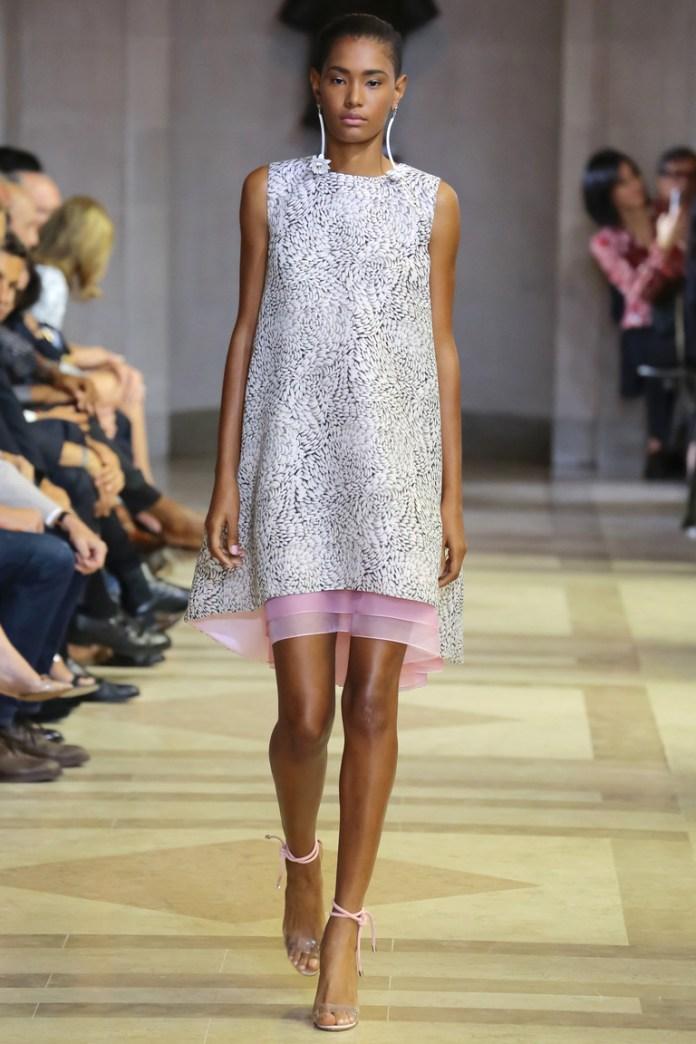 Нежное модное коктейльное платье 2016 – фото новинки от Carolina Herrera
