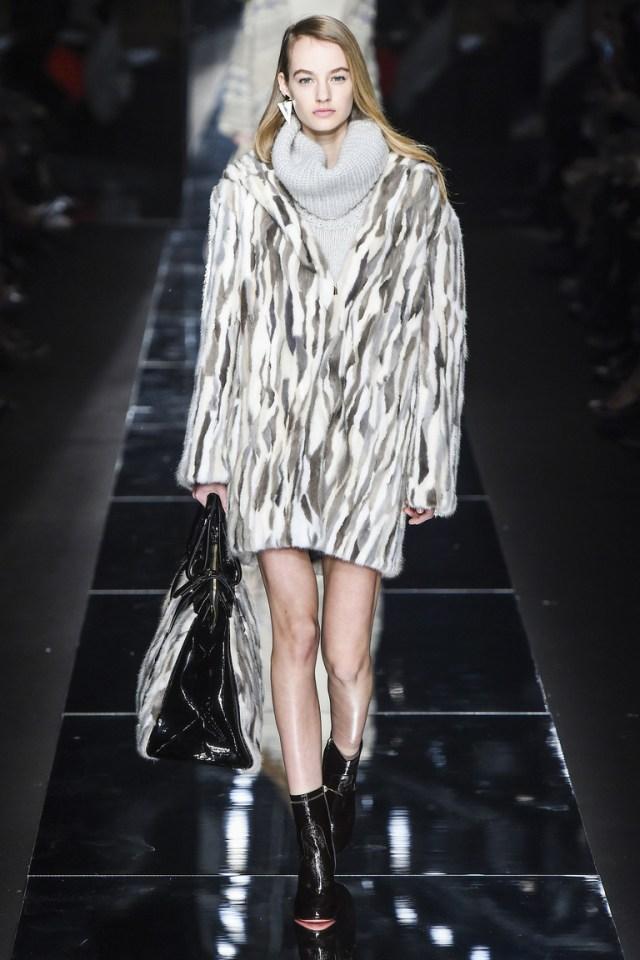 Модная зимняя шуба 2016 – фото новинка от Blumarine