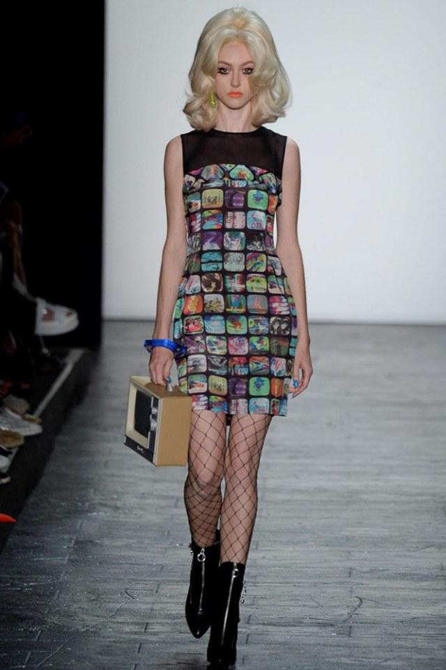 Модное платье в клетку 2016 года – фото новинка от Jeremy Scott
