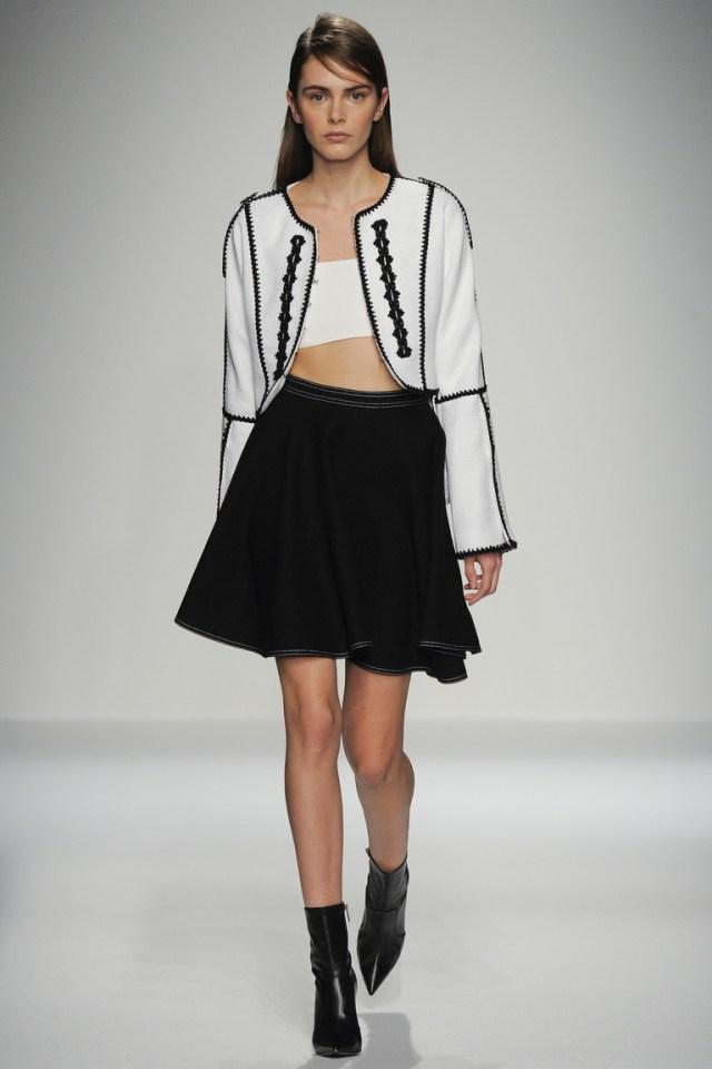Модная мини юбка 2016 года – фото новинка от Andrew Gn