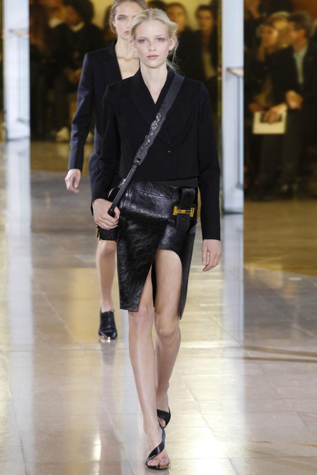 Модная модель юбки 2016 с разрезом – фото новинка в коллекции Anthony Vaccarello