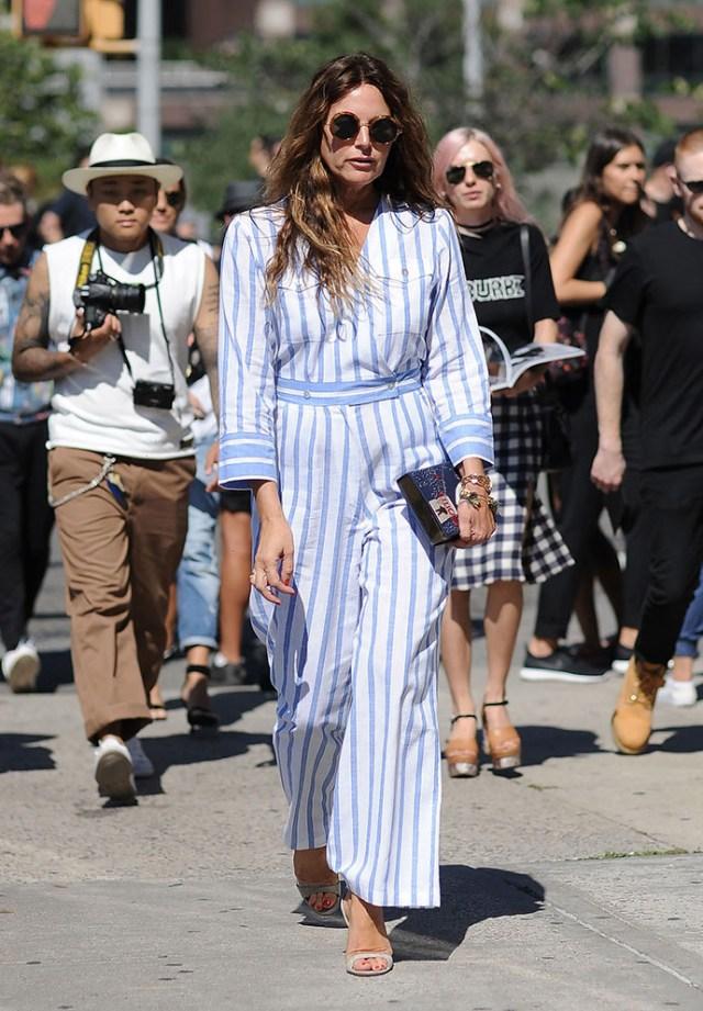 Продолжение пижамного стиля – модные в сезоне весна-лето 2016 широкие брюки в полоску